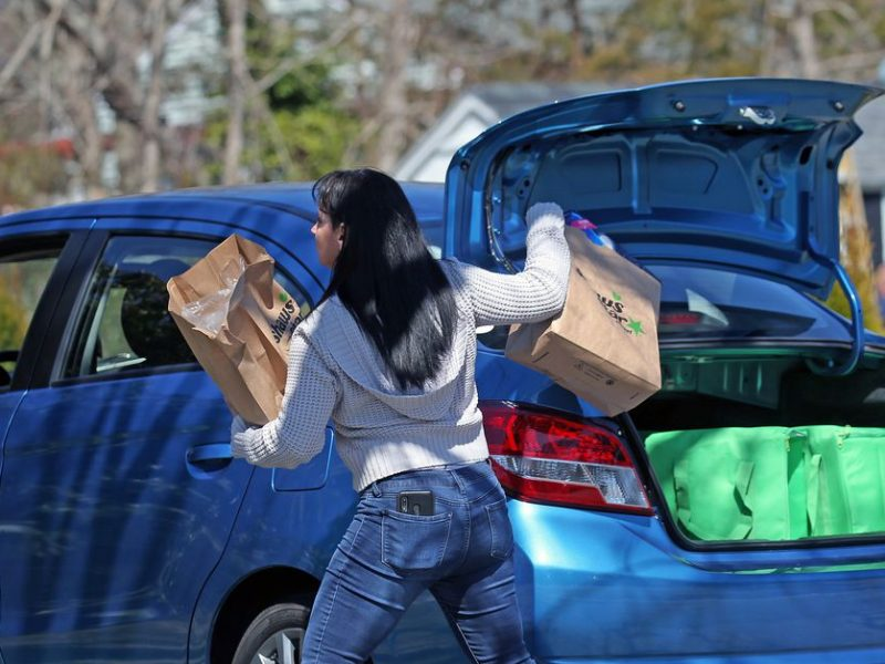 Many Instacart shoppers reportedly still waiting on safety kits the company promised